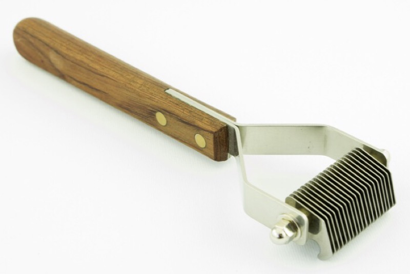 A dematting tool for a tangle free shih tzu.